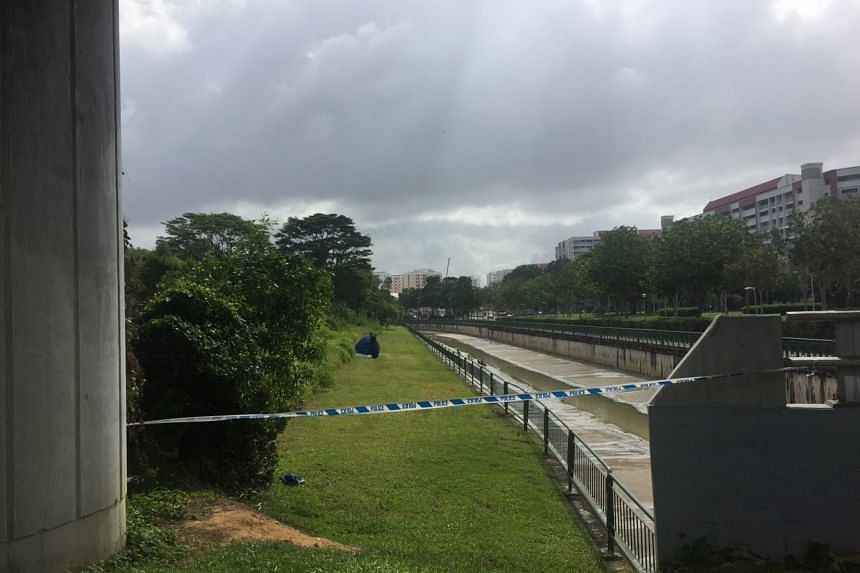 A man in jogging attire was found dead at a park along Tampines Avenue 9 on Thursday (Feb 16) morning.