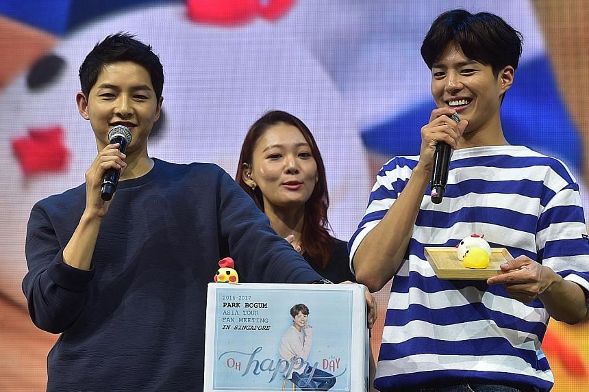 At last Saturday's fan meet at The Star Theatre, South Korean actors Song Joong Ki (left) and Park Bo Gum (right) got fans excited.