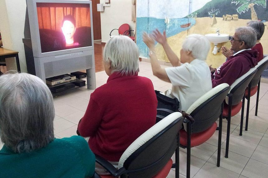 Patients going through the Alzheimer's Disease Association Simulated Presence Therapy.