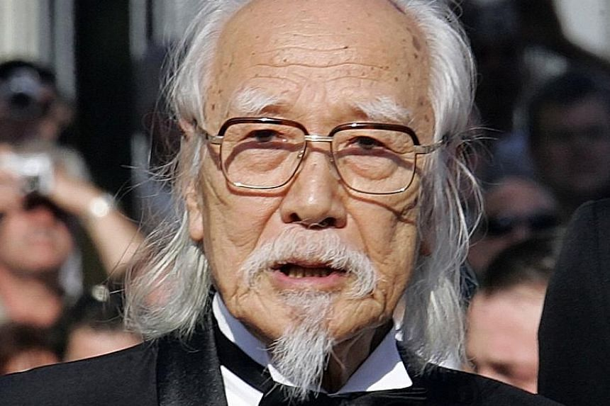 Seijun Suzuki in a 2005 photo. The Japanese director was known for his mix of violence and absurdist comedy in his films.