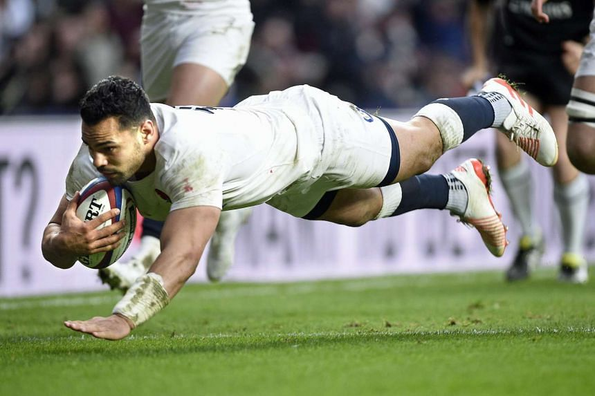England's Ben Te'o scores a try during the Rugby 6 nations match between England and Italy at Twickenham on Sunday (Feb 26, 2017),