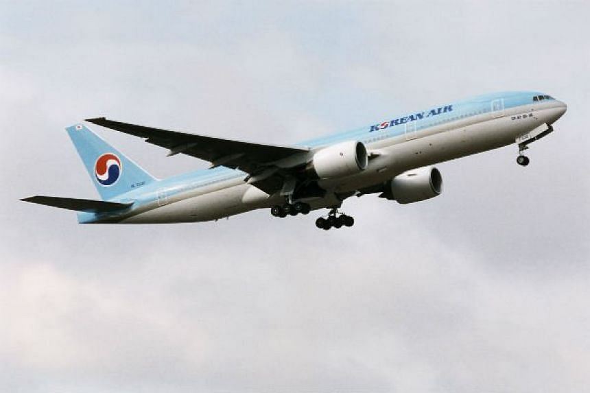 Korean Air Flight 644 from Singapore immediately radioed the Manila control tower for an emergency landing after smoke started filling its cabin at about 1.30am.