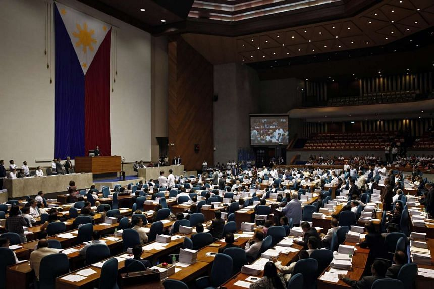 Congressmen and congresswomen hold a plenary session to vote on a death penalty bill at the House of Representatives in Quezon City, east of Manila, Philippines on March 1, 2017.