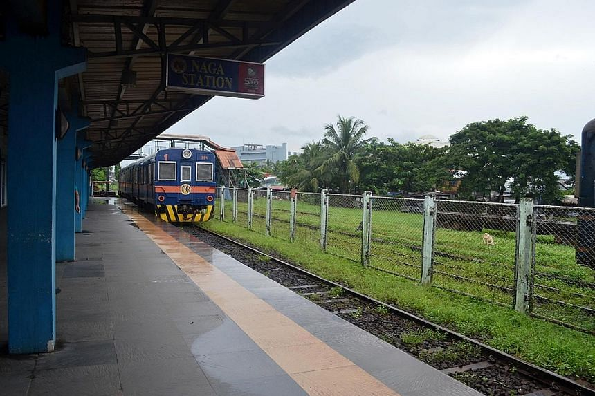 A train travelling from Manila to the city of Naga on the main island of Luzon. The Philippine government wants to build new railways in Luzon and in the southern island group of Mindanao. The latter railway will be 2,000km long and connect Mindanao'