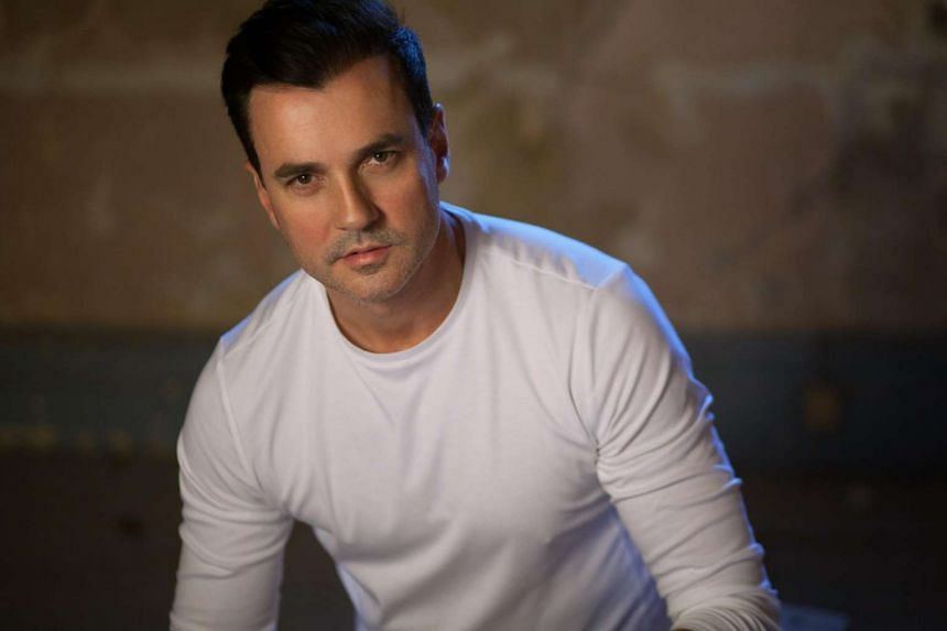 Tommy Page, heart-throb singer of the early 90s, dies at age 46.