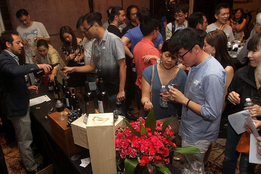 Nearly 1,000 readers attended the ST Wine Fair, organised in association with Robert Parker Wine Advocate. A selection of more than 100 Old World and New World wines, all RP-rated, were available for tasting.