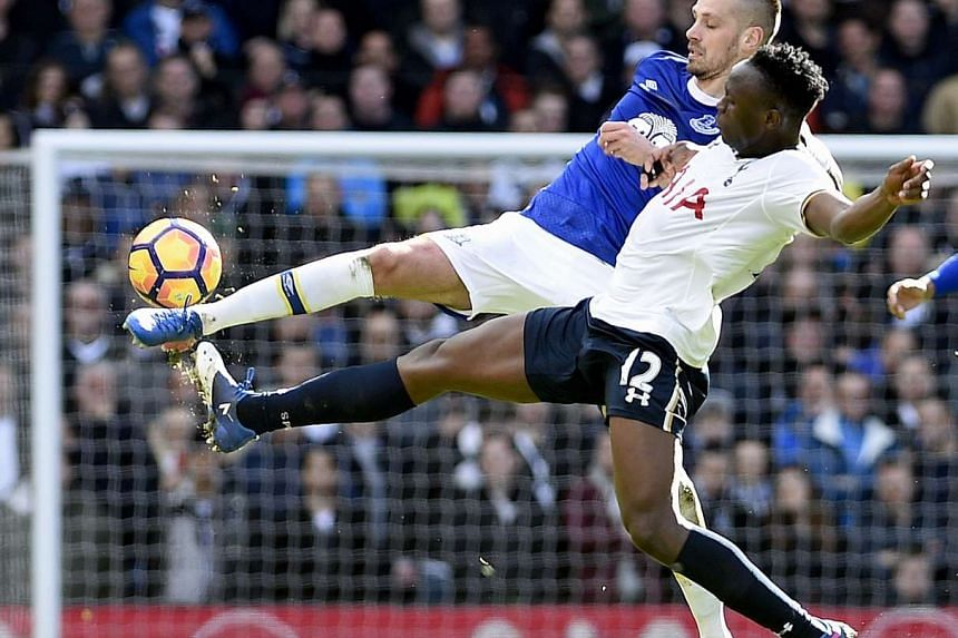 Tottenham Hotspurs Victor Wanyama (right) vies for the ball with Everton's Morgan Schneiderlin (left ) during the match on Sunday (Mar 5, 2017).