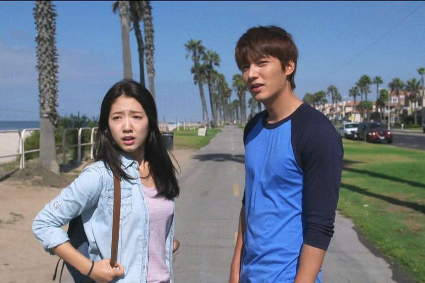 Park Shin Hye (left) and Lee Min Ho starring in The Inheritors.