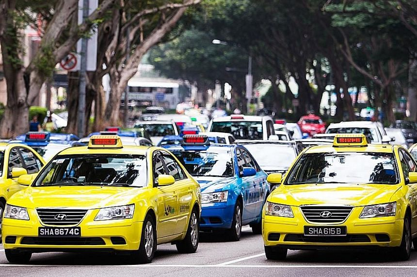 Researchers from NUS and the Chinese University of Hong Kong say that yellow taxis are more noticeable than blue taxis in both daylight and under street lighting.