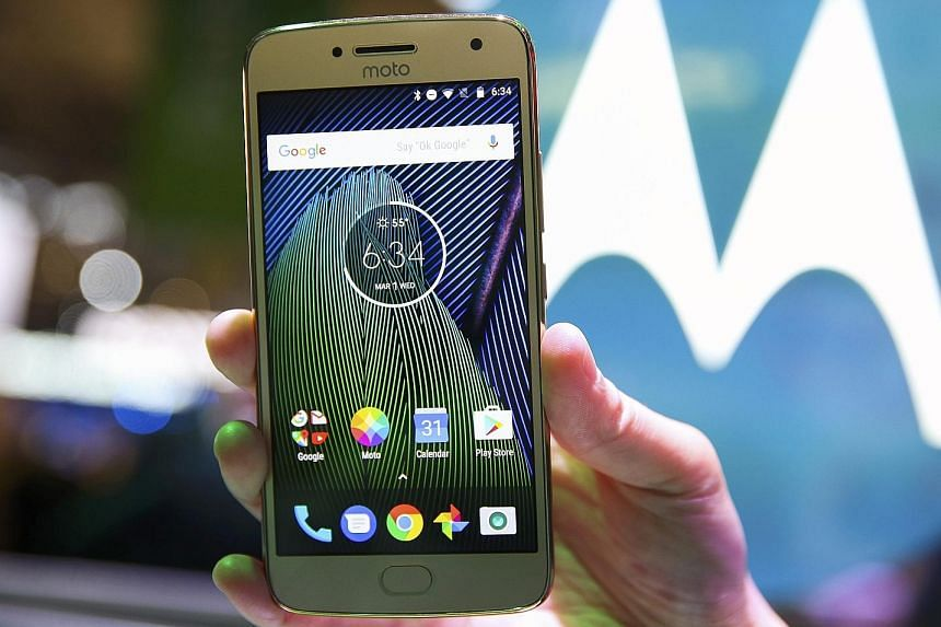 The new metal body gives the Lenovo Moto G5 and G5Plus (above) a more premium look and design.