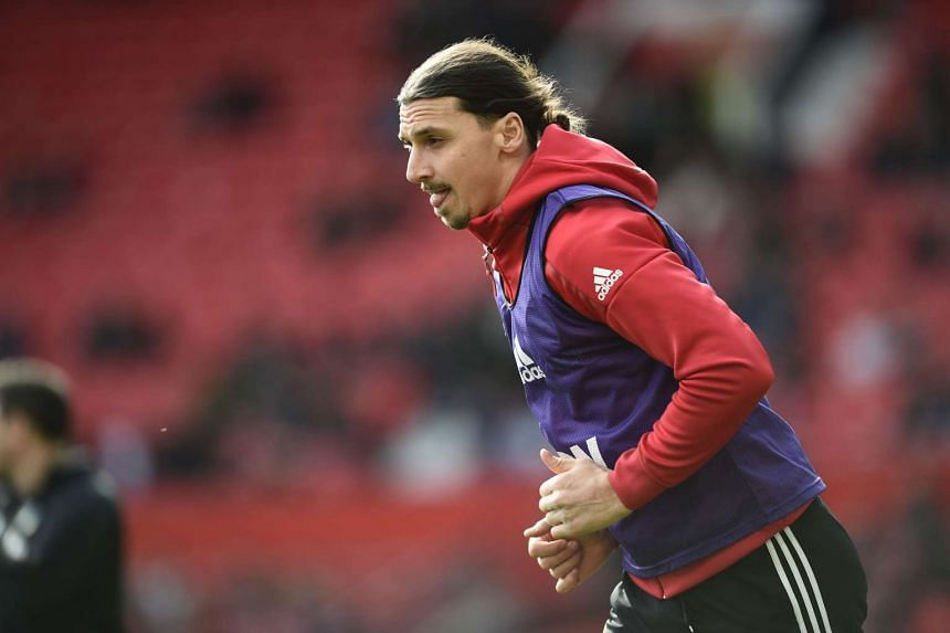 US football club LA Galaxy have launched a bid to attract Manchester United forward Zlatan Ibrahimovic to join them.