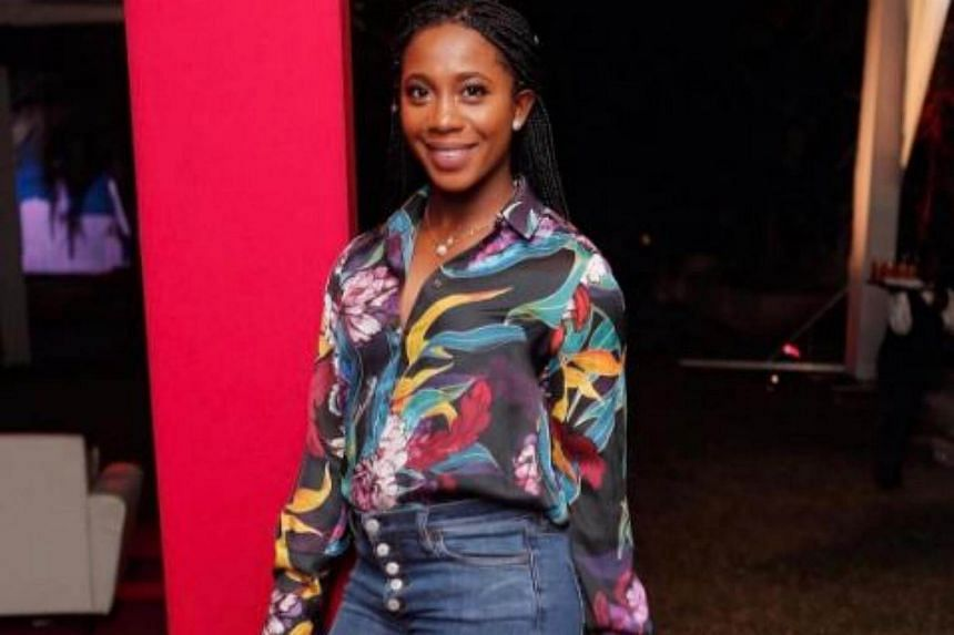 Jamaican sprint star Shelly-Ann Fraser-Pryce, the 2008 and 2012 Olympic 100m champion, revealed she is to become a mother in an Instagram posting.