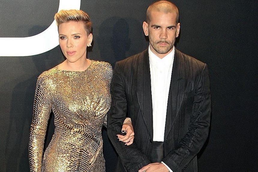 Actress Scarlett Johansson and her estranged husband, journalist Romain Dauriac, in Los Angeles in 2015. The actress has asked for full custody of their two-year-old daughter Rose.