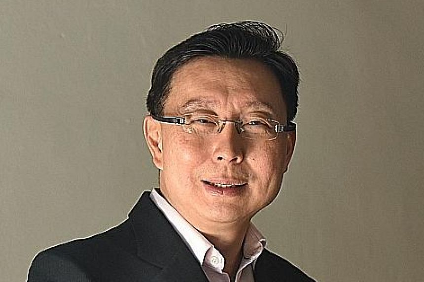 SCS named Singtel's Group Enterprise CEO Bill Chang IT Leader of the Year. The IT Youth award went to NUS Greyhats founder Yeo Quan Yang.