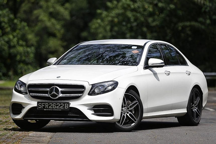 In cruise control, the E300 keeps a steady speed and a constant distance from the vehicle in front.