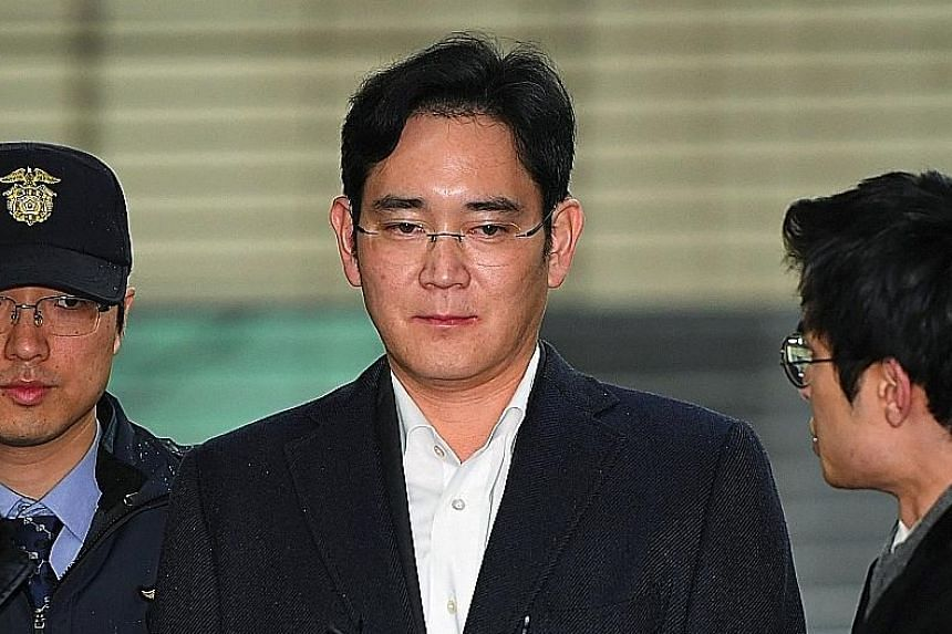 Mr Moon Jae In is a potential presidential nominee. Lee Jae Yong has denied the charges in the bribery scandal. Ms Park Geun Hye could now face criminal charges.