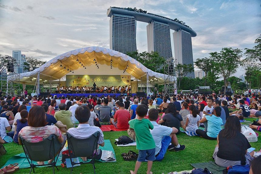 About 6,000 people armed with picnic mats and a love for music attended a free classical concert last evening at The Meadow, Gardens by the Bay. The Singapore Symphony Orchestra played tunes such as Modest Mussorgsky's Night On Bald Mountain and Niko