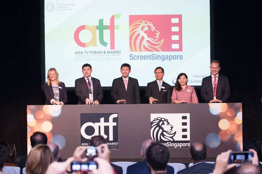 Mr Robert Gilby (right most), chairman of Singapore Media Festival Advisory Board officiating the opening of ATF and ScreenSingapore 2016.