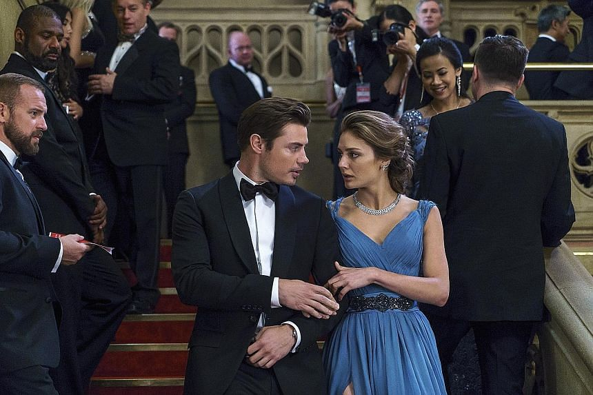 In The Arrangement, a contract comes before marriage for actors Kyle West (Josh Henderson) and Megan Morrison (Christine Evangelista).