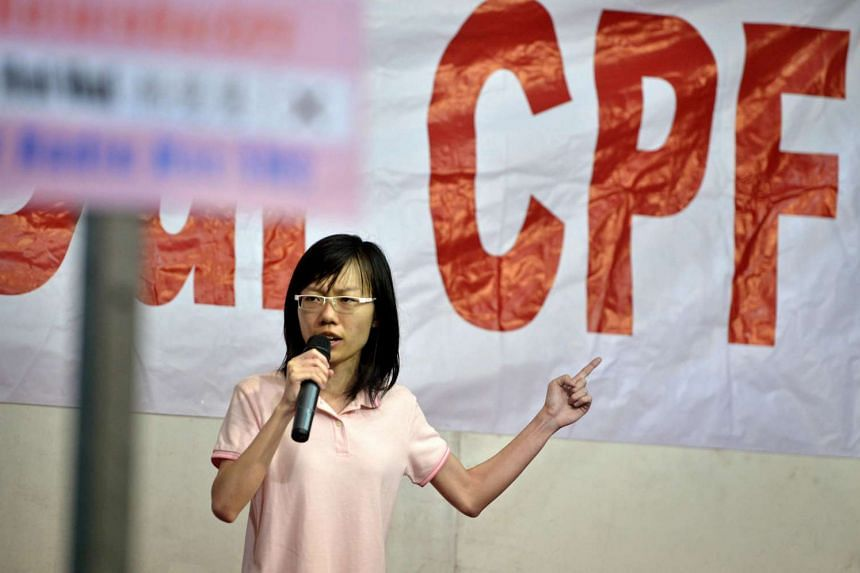 Activist and blogger Han Hui Hui, who was an independent candidate for Radin Mas SMC at the 2015 General Election, speaks at her first rally at Delta Hockey Pitch on Sept 3, 2015.