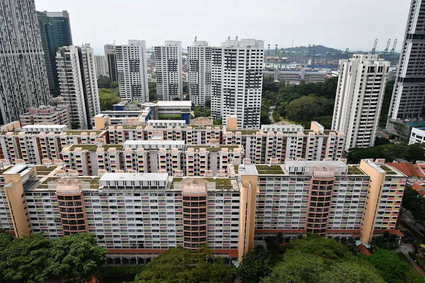 For HDB units, prices decreased 0.8 per cent from the previous month, with 3-room units slipping by 1.2 per cent, 4-room units by 0.3 per cent and 5-room units by 1.3 per cent.