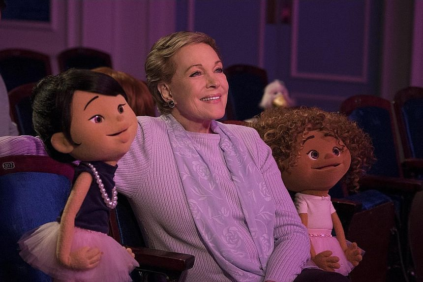 In the Julie's Greenroom series, Julie Andrews plays Miss Julie, who runs a theatre programme for children, and her students are played by puppets designed by The Jim Henson Company.