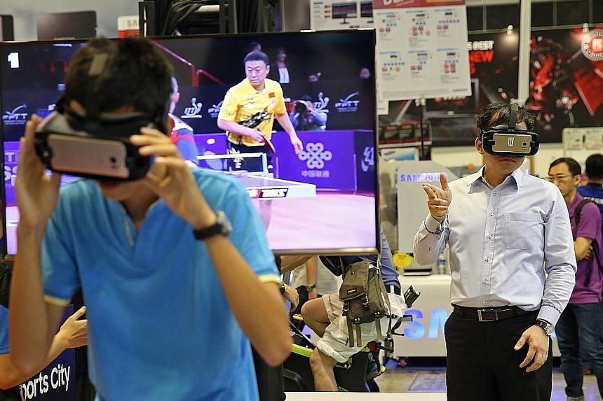 Visitors to the IT Show 2017 got to look at the world differently as they tried on the Samsung Gear VR at the gadget fest, which opened yesterday at Suntec Singapore and runs until Sunday. An estimated 150,000 shoppers sought to beat the crowds and s