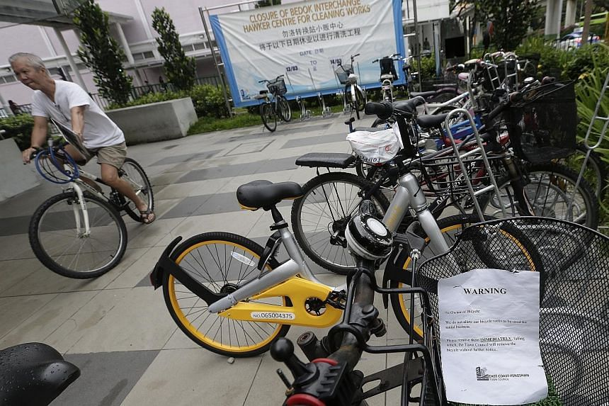 East Coast-Fengshan Town Council placed removal notices on bike-share bicycles calling for the immediate removal of the rental two-wheelers and threatening confiscation.