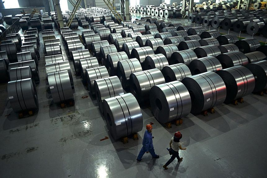 Chinese steel output rose last March, despite repeated pledges by the world's top producer to cut capacity amid a global glut.