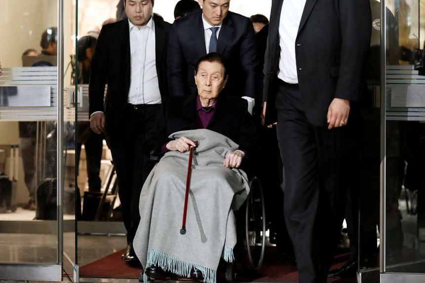 Lotte Group Founder Shin Kyuk Ho arrives for trial at a court in Seoul, South Korea, on March 20, 2017.
