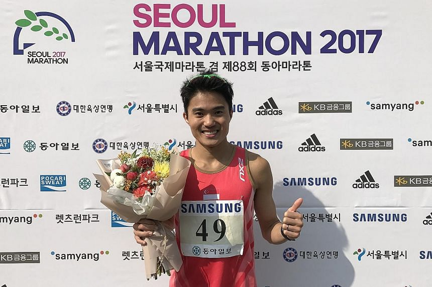 National marathoner Mok Ying Ren clocked 2hr 26min 7sec at the Seoul International Marathon yesterday to meet the qualifying mark for the Kuala Lumpur SEA Games in August. His timing was a personal best.