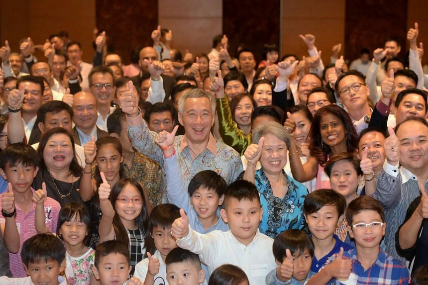 PM Lee meets Singaporeans in Hotel Intercontinental Asiana Saigon during his visit to Ho Chi Minh City on March 21, 2017.