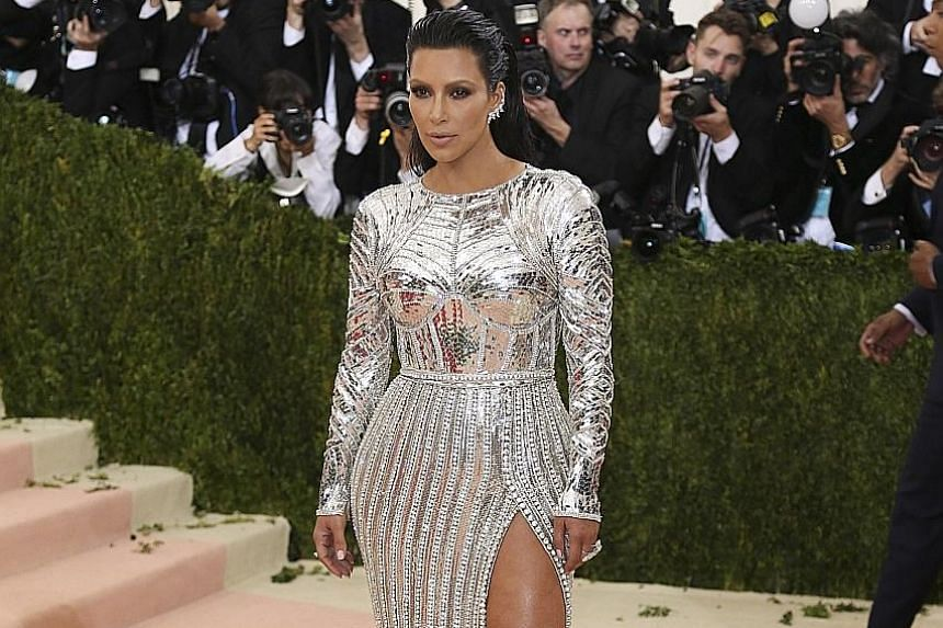 Kim Kardashian gave a first-hand account of the robbery in Paris on Sunday's episode of Keeping Up With The Kardashians.