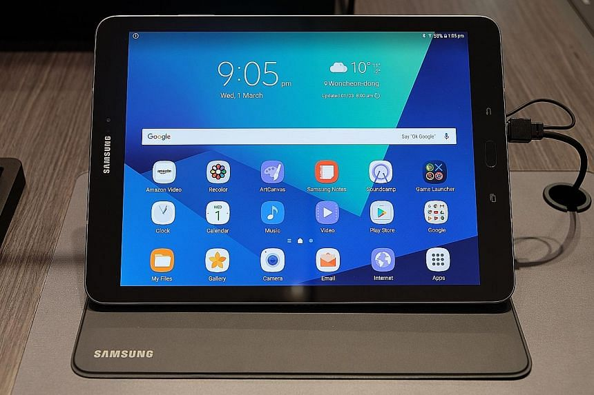 The Samsung Tab S3 sports a 9.7-inch Super Amoled screen that supports High Dynamic Range, which renders pictures and videos in clear, crisp colours and detail.