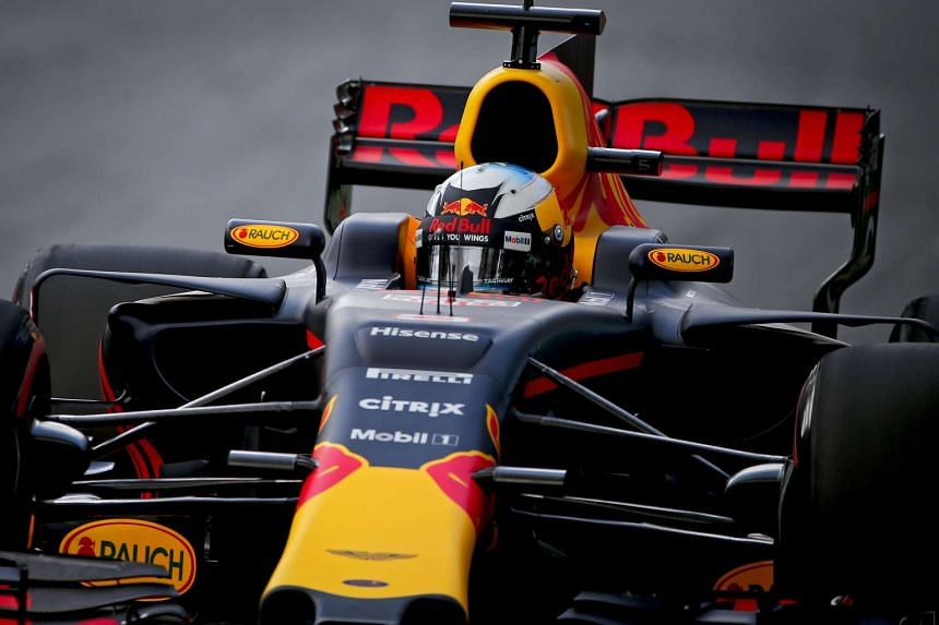 Australian Formula One driver Daniel Ricciardo of Red Bull Racing steers his car during the third practice session at the Albert Park circuit in Melbourne, Australia on March 25, 2017.