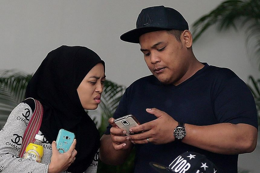 Siti Norhaizah Abdullah and Rahmat Jumari, who plan to get married, have deferred their sentence to April 21 to make care arrangements for her five children, aged three to 11.