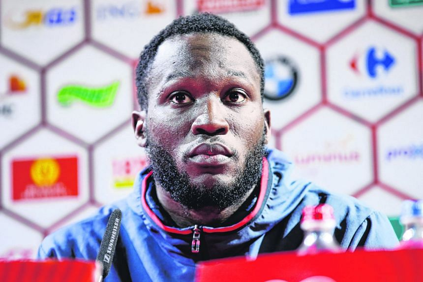 """Romelu Lukaku says he will not waver from his decision to turn down Everton's huge contract offer - and insists there is """"nothing wrong"""" with his controversial comments about trophies and ambition."""