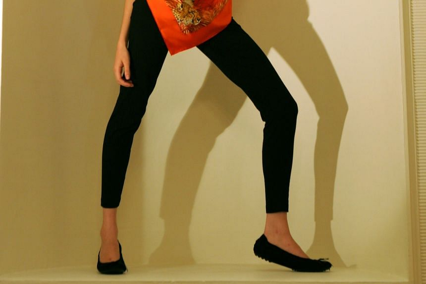 Leggings have become popular among women and girls in the United States and critics have raised complaints that they are inappropriate attire in some circumstances.
