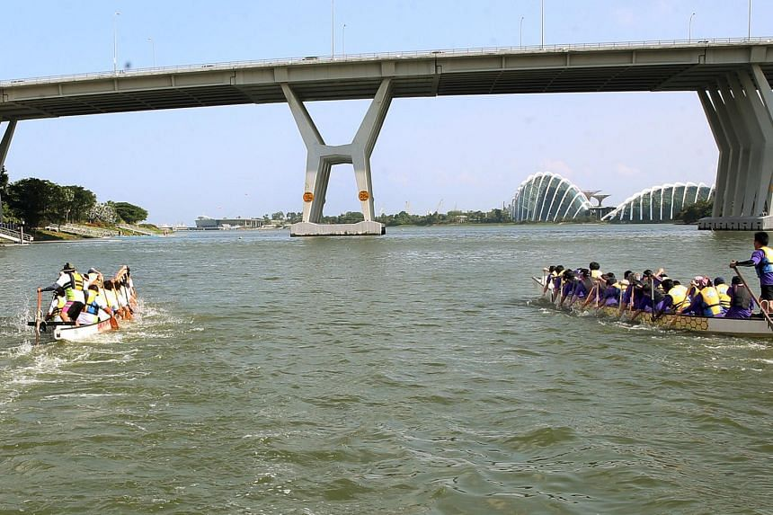 """The National Cancer Centre Singapore (NCCS) held the second edition of the """"Row For Hope Boat Races"""" at Marina Bay."""