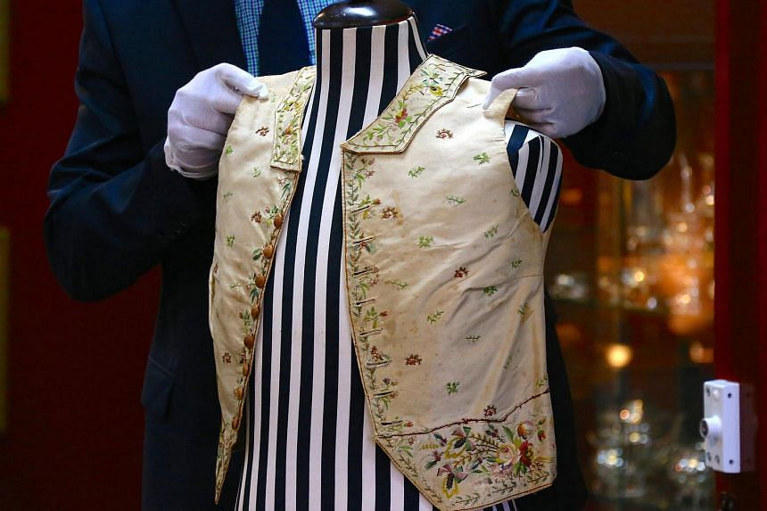 The 250-year-old embroidered silk waistcoat that belonged to Captain James Cook failed to sell at auction.