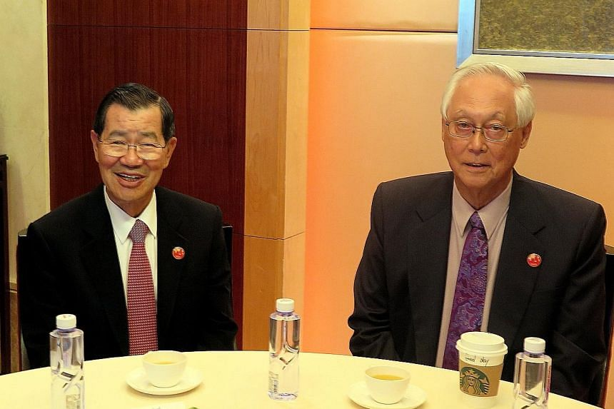 Singapore's Emeritus Senior Minister Goh Chok Tong catching up with his old friend, Mr Vincent Siew, honorary chairman of the Cross-Straits Common Market Foundation, on the sidelines of the Boao Forum for Asia Annual Conference last Saturday. Mr Siew
