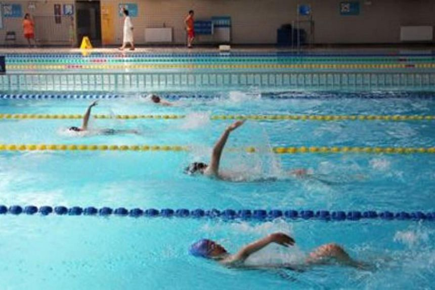 Freshmen at Tsinghua University this year will need to pass a swimming test - or go for swimming courses.