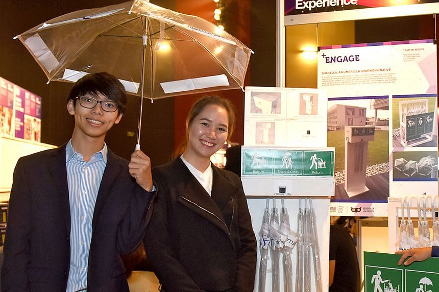 RP students Don Chua and Chan Min Yi started an umbrellasharing initiative, along with two other teammates. They set up umbrella kiosks along footpaths with no shelter near Woodlands and Admiralty MRT stations during a 10-day trial.