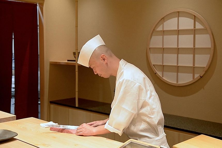 In a video, Shinji's master chef Koichiro Oshino talks about his philosophy of treasuring every moment which he translates into his sushi craft.