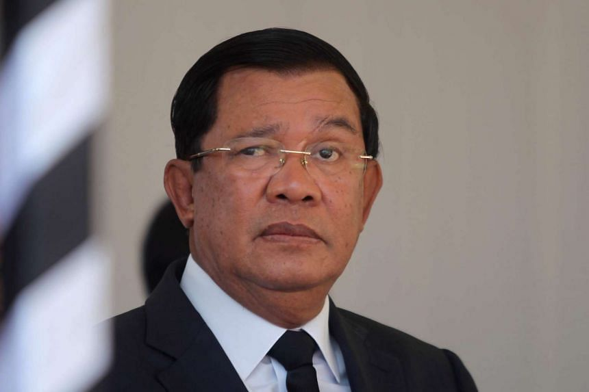 Cambodian Prime Minister Hun Sen has appealed to US President Donald Trump to forgive his country's wartime debt.