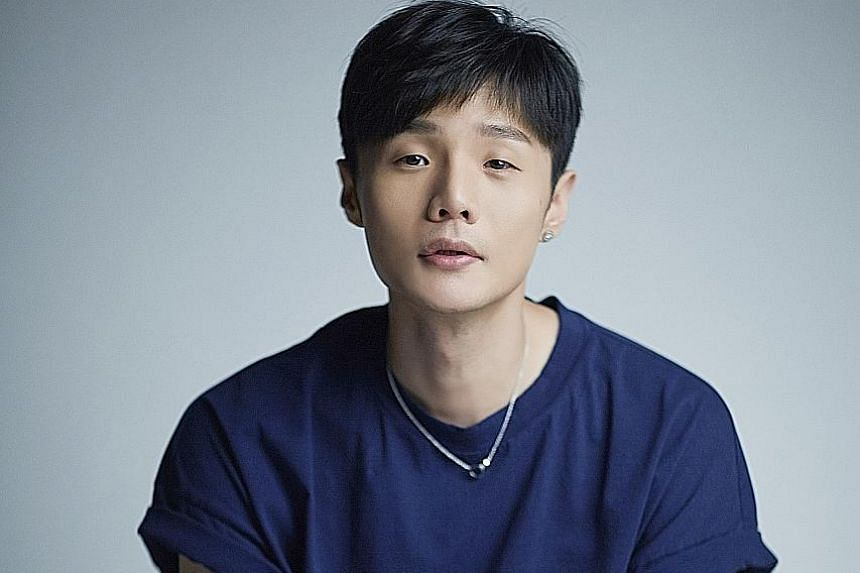 Self-taught musician Li Ronghao is known for his songwriting and soulful singing.