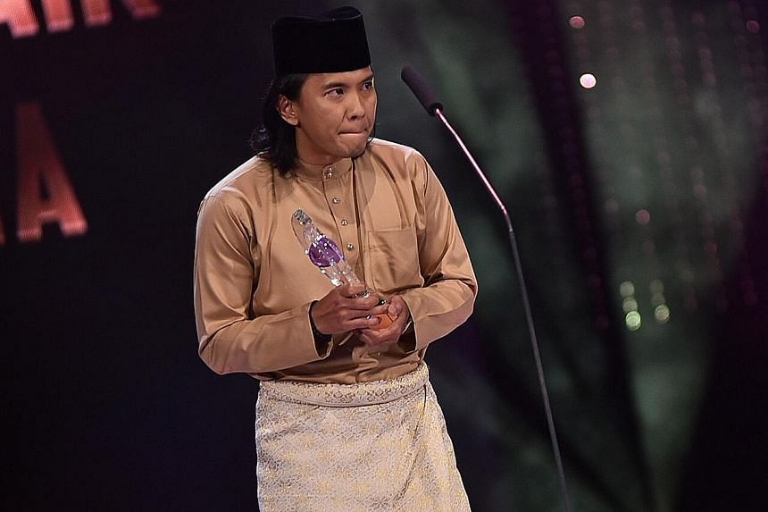 Drama-comedy Kisah Tok Kadi wins big, with Malaysian actor Beto Kusyairy (above) picking up Best Actor In A Leading Role (Drama Series) and Sufian Ahmad clinching Best Actor In A Supporting Role (Drama Series).