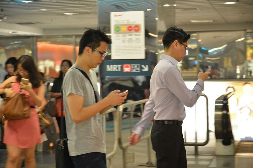 Singaporeans spend an average of 12hr 42  a day on digital devices.