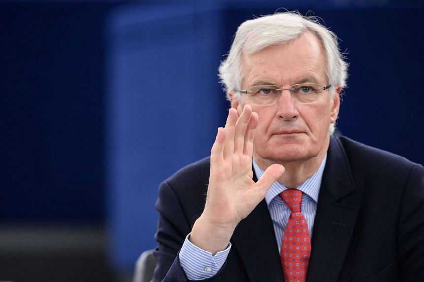 """EU chief negotiator Michel Barnier says a call for two parallel negotiations is """"a very risky approach""""."""