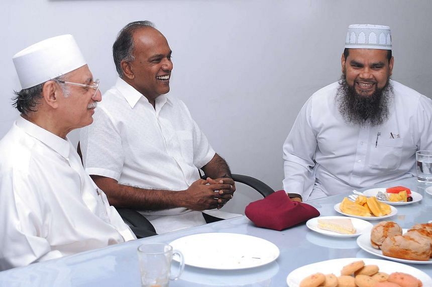 (From left)  Imam Habib Hassan Al-Attas, Home Affairs and Law Minister K. Shanmugam and Imam Nalla Mohamed Abdul Jameel at the breakfast meeting.